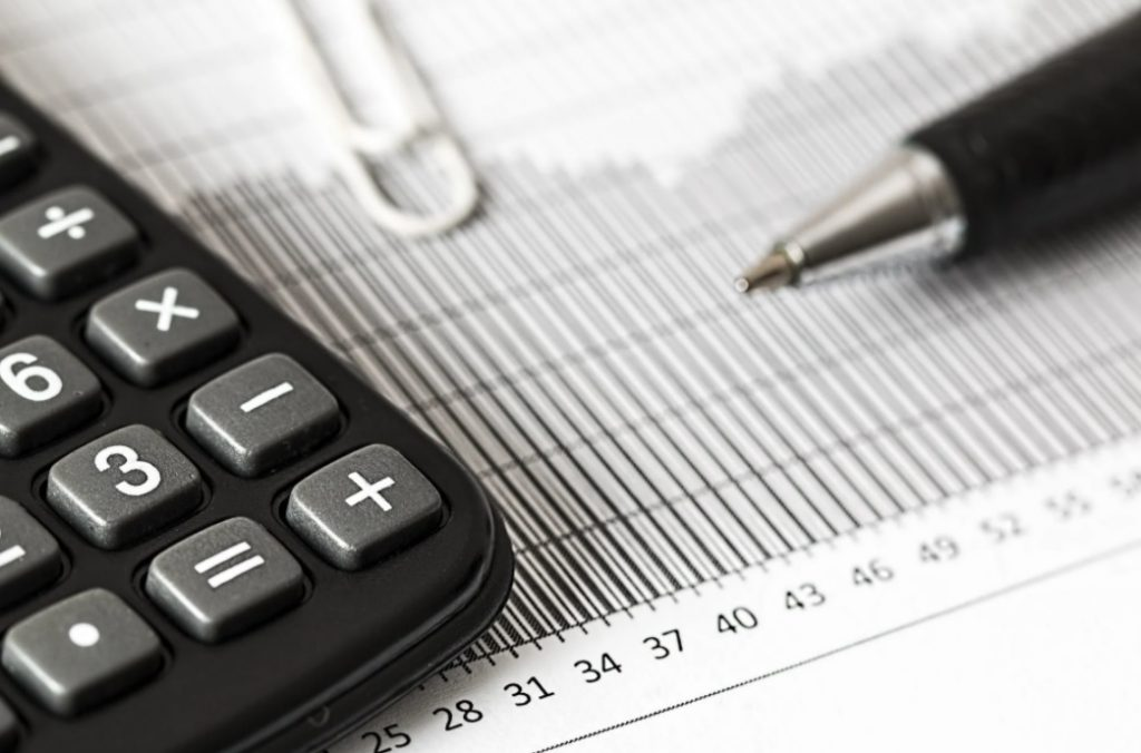 Finance and taxes calculator